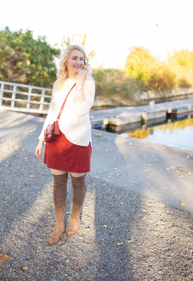 Herbstlook mit Overknee-Stiefel
