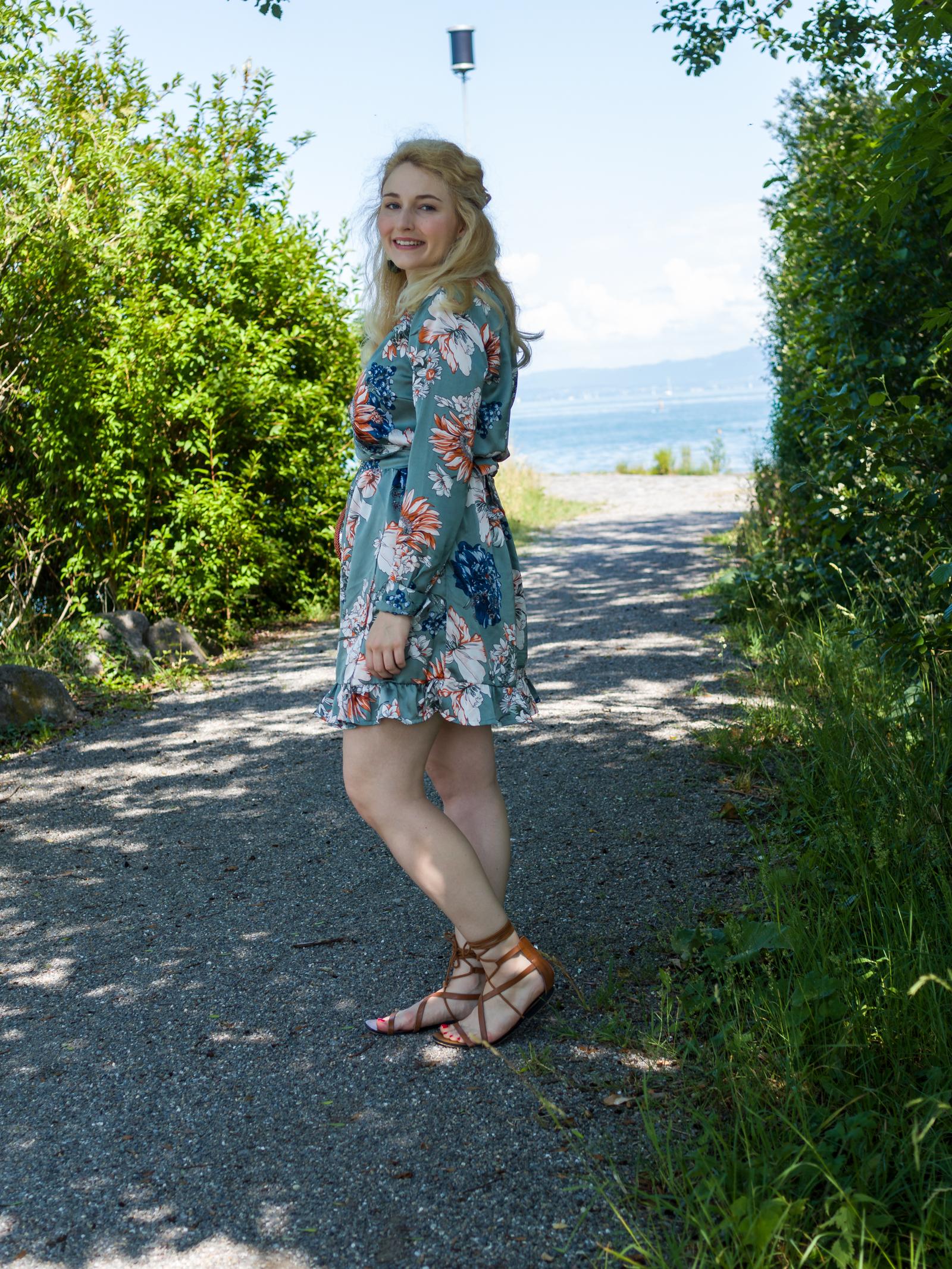 Kimono-Wickel-Kleid