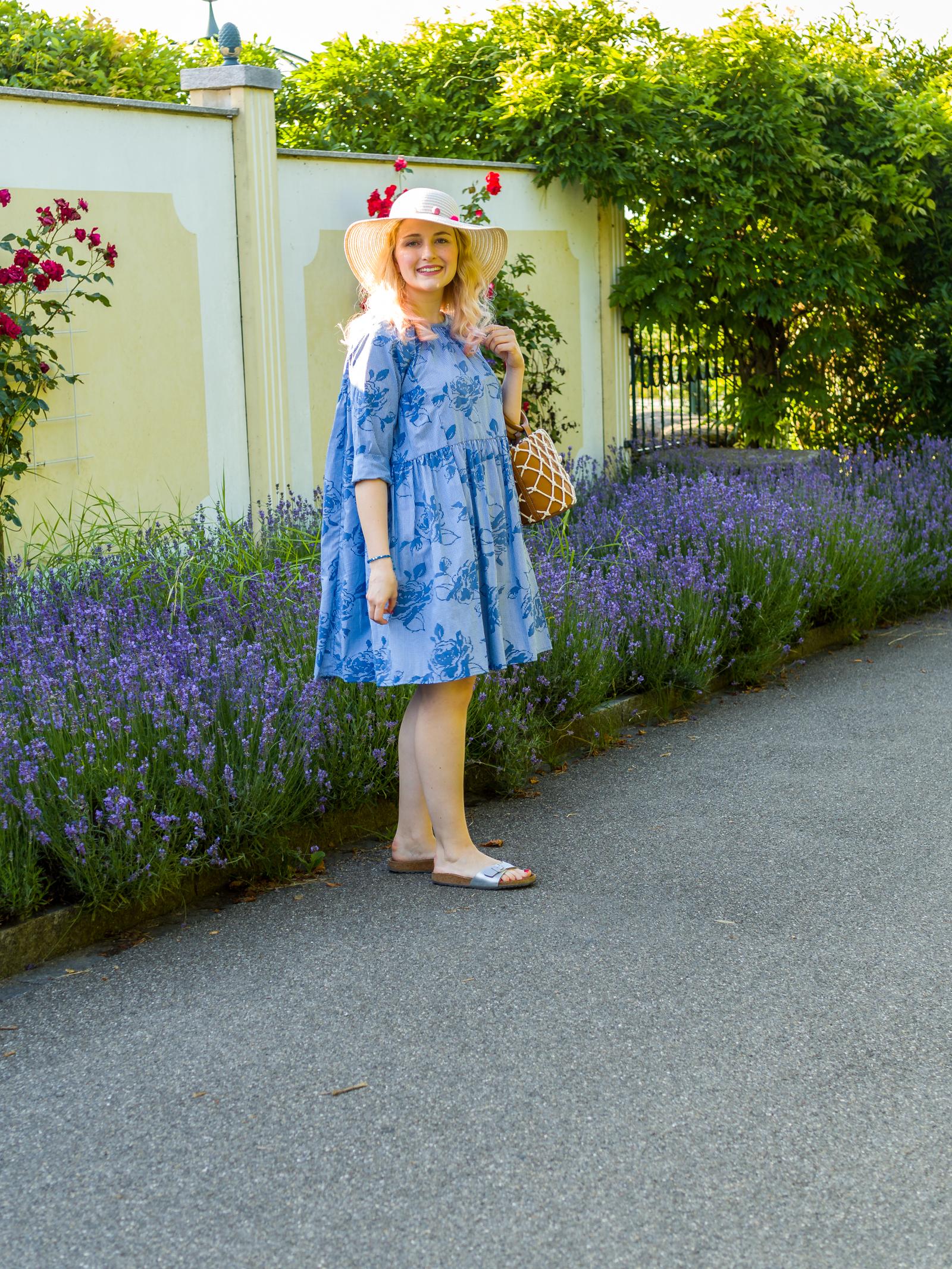 Sommerkleid mit Netztasche